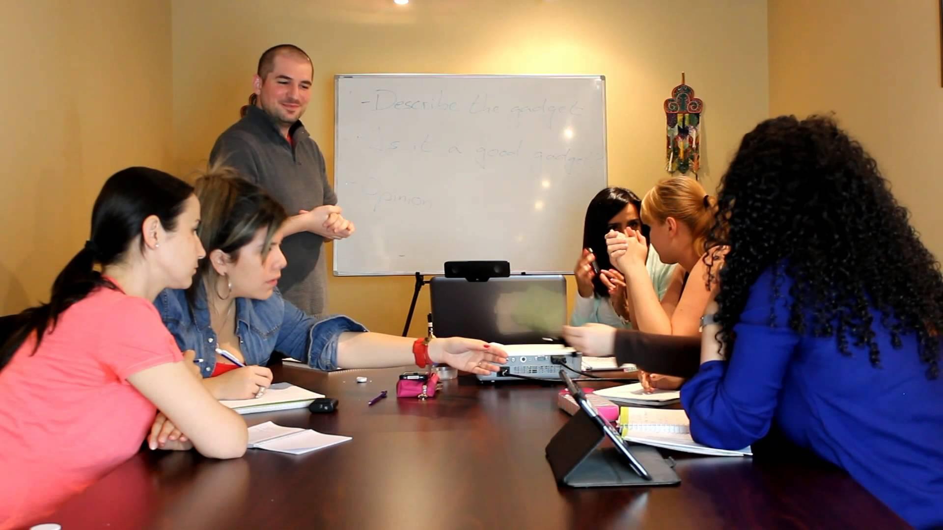 Modern English Classroom ~ Cours d espagnol niveau débutant paris